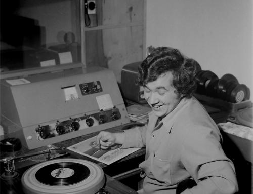 Rádio Guarujá de Orleans.